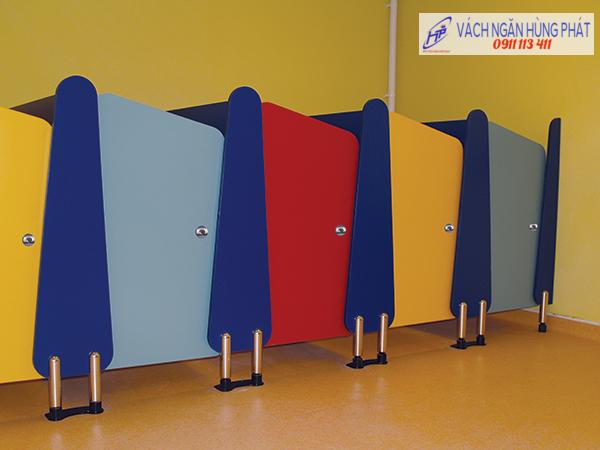 vách ngăn vệ sinh HP95, vach ngan ve sinh hp95, Vách ngăn di động, vách ngăn kính, vách ngăn vệ sinh